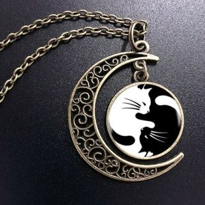 Yin Yang Cat Pendant Statement Necklace - Bronze M